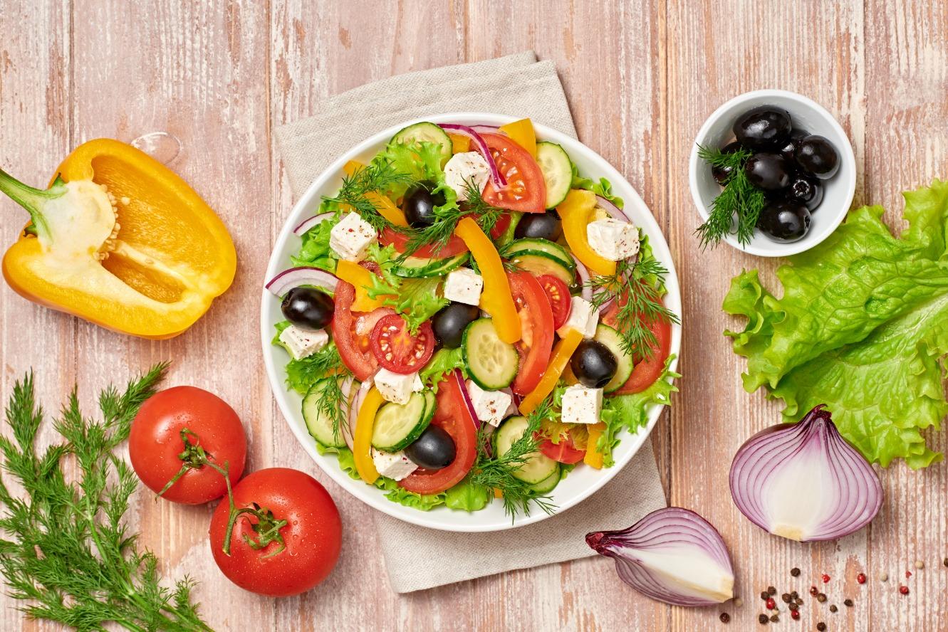 salad-diet-FVEQN53
