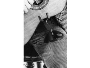 WOLF kytarová opěrka na koleno