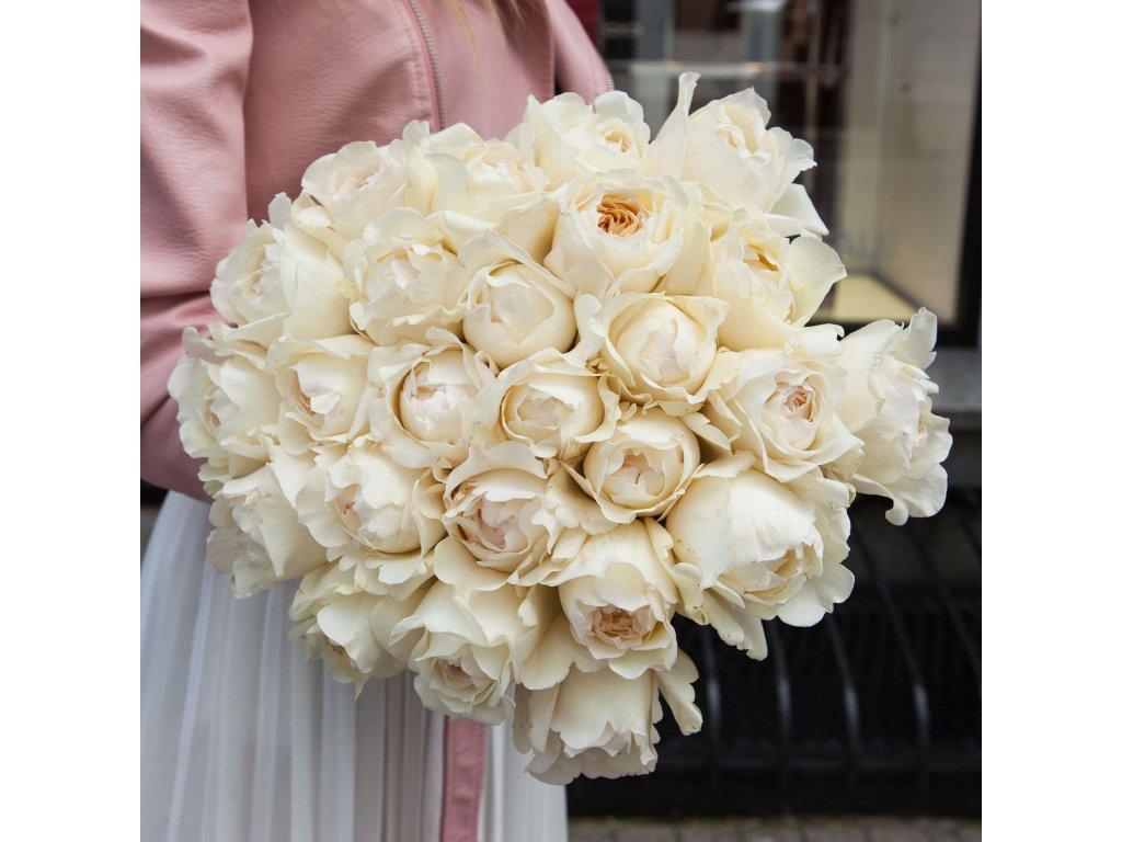 Kytice z Cream Yves Piaget růží (25 ks)