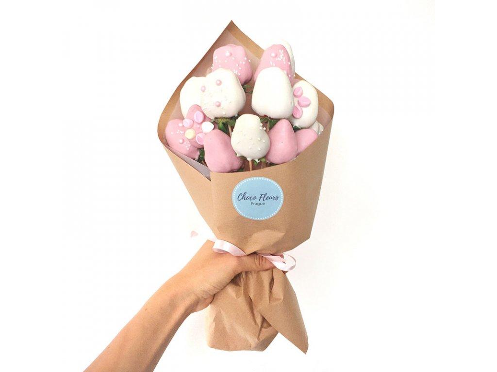 Kytice z jahod v čokoládě  - Barbie