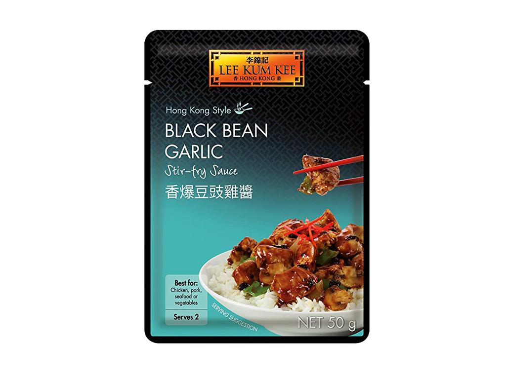 Lee kum kee Stir-fry omáčka s černými fazolemi a česnekem 50 g