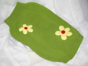 zelený svetr pro psa