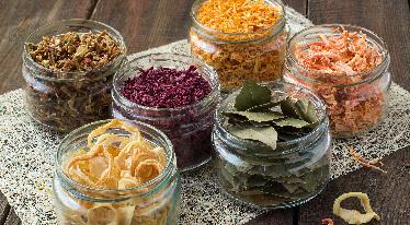 Jak používat, skladovat a vařit dehydratovanou zeleninu