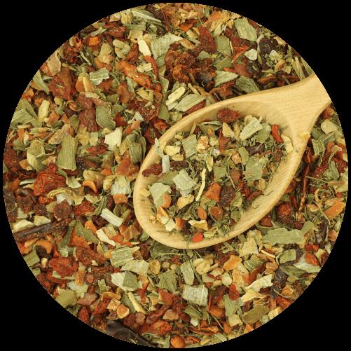 dřevěná lžíce a sušená zelenina