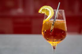 Recept - sangria z bílého perlivého vína