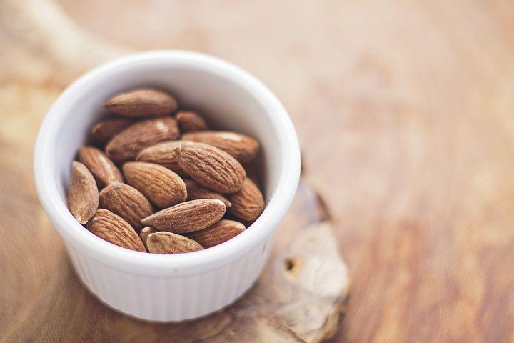 Mandle, ořechy a sušené plody ze Španělska