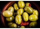 Španělské olivy a nakládaná zelenina