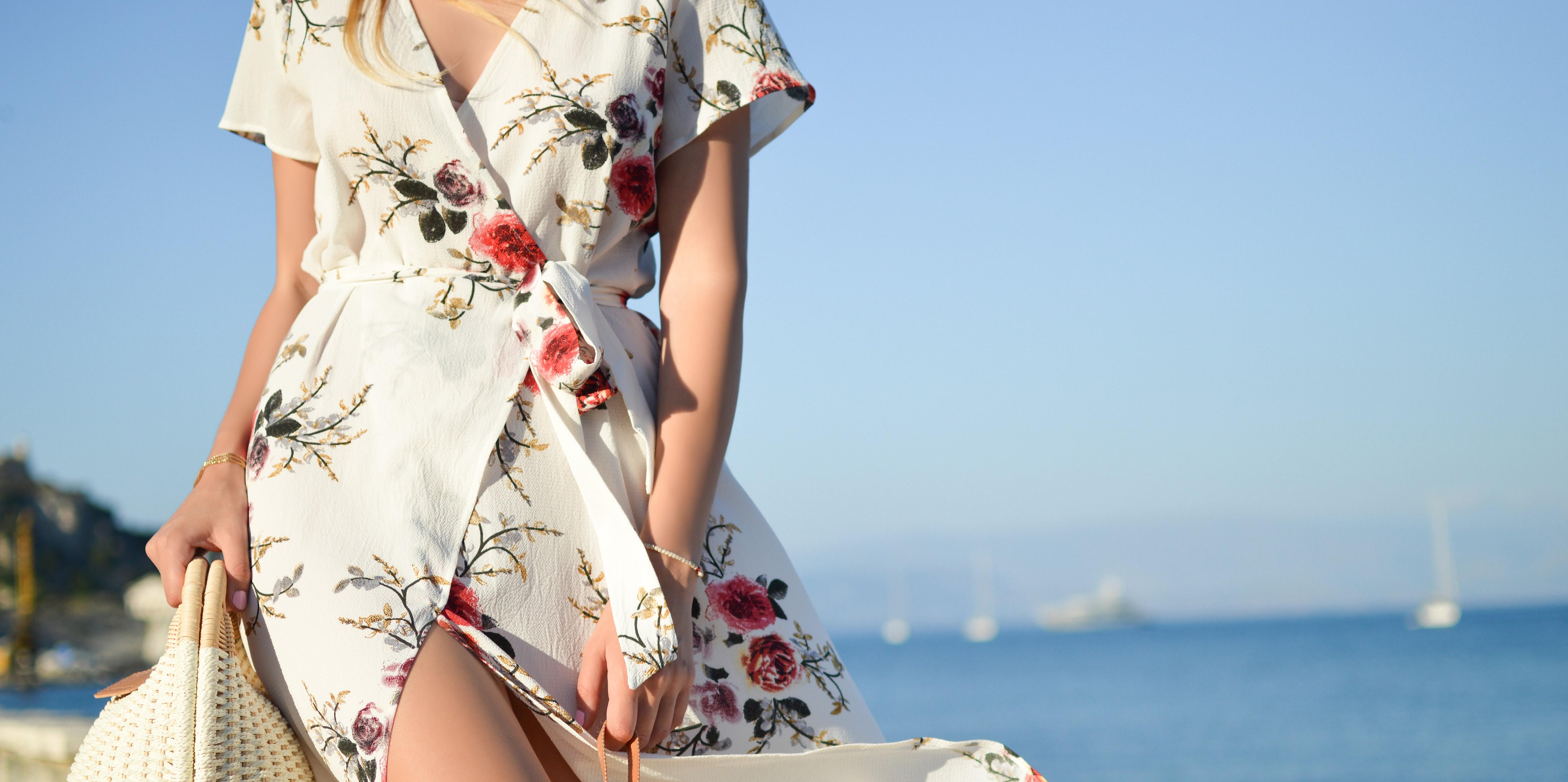 Tipy na letní oblečení nejen pro kojící maminky
