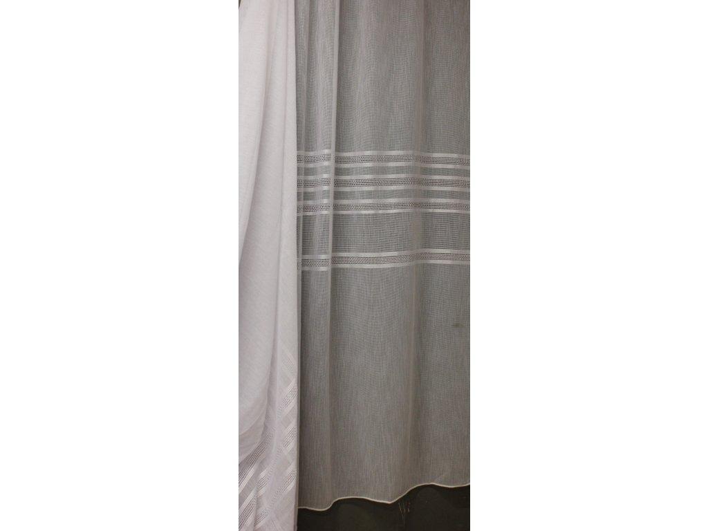 Luxusní jednoduchá záclona s hrubší strukturou