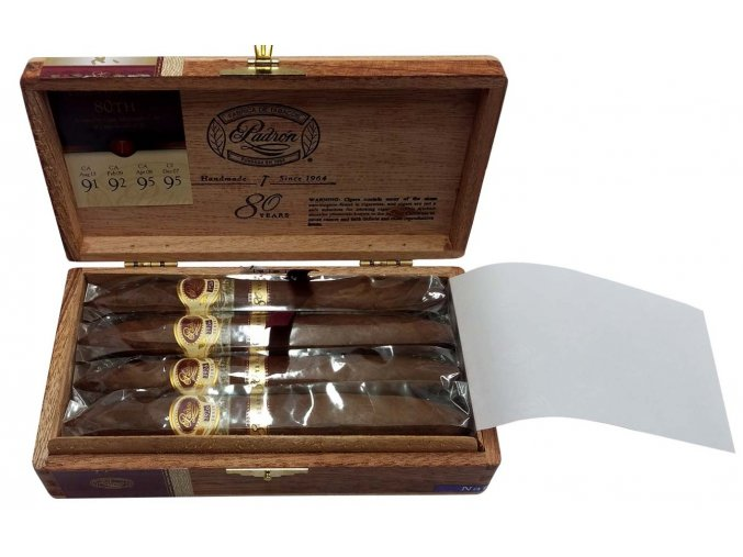 Padrón Serie 1926 80 years Natural 8ks box 1340x840