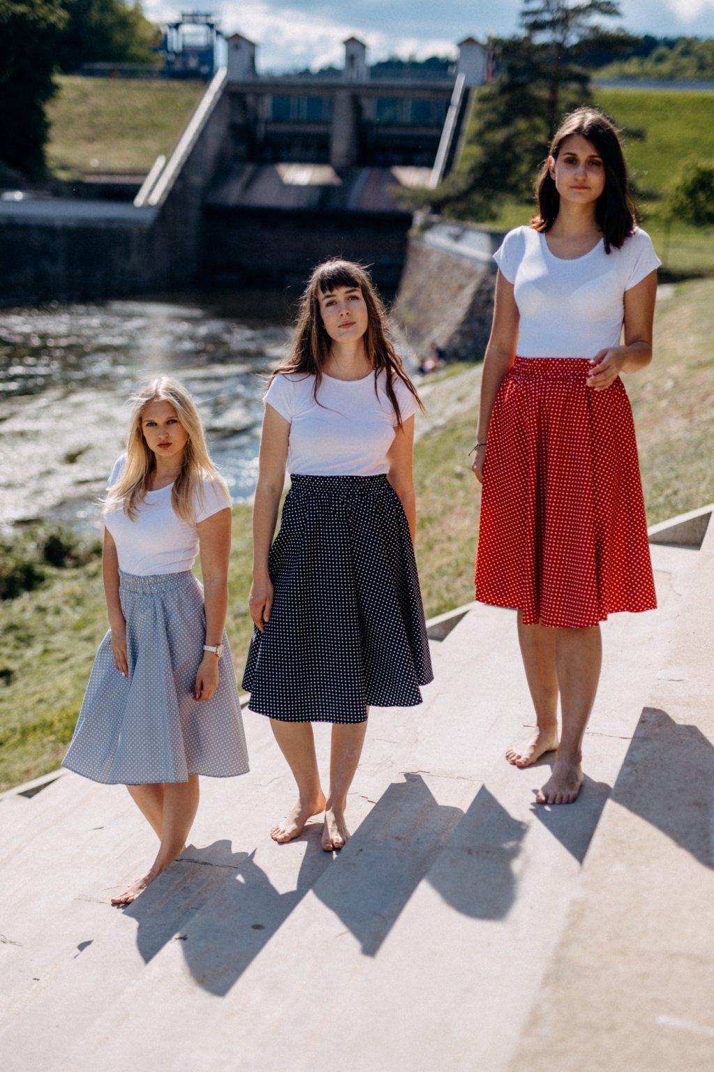 sukně PUNTÍKY 3mm v barevných variantách