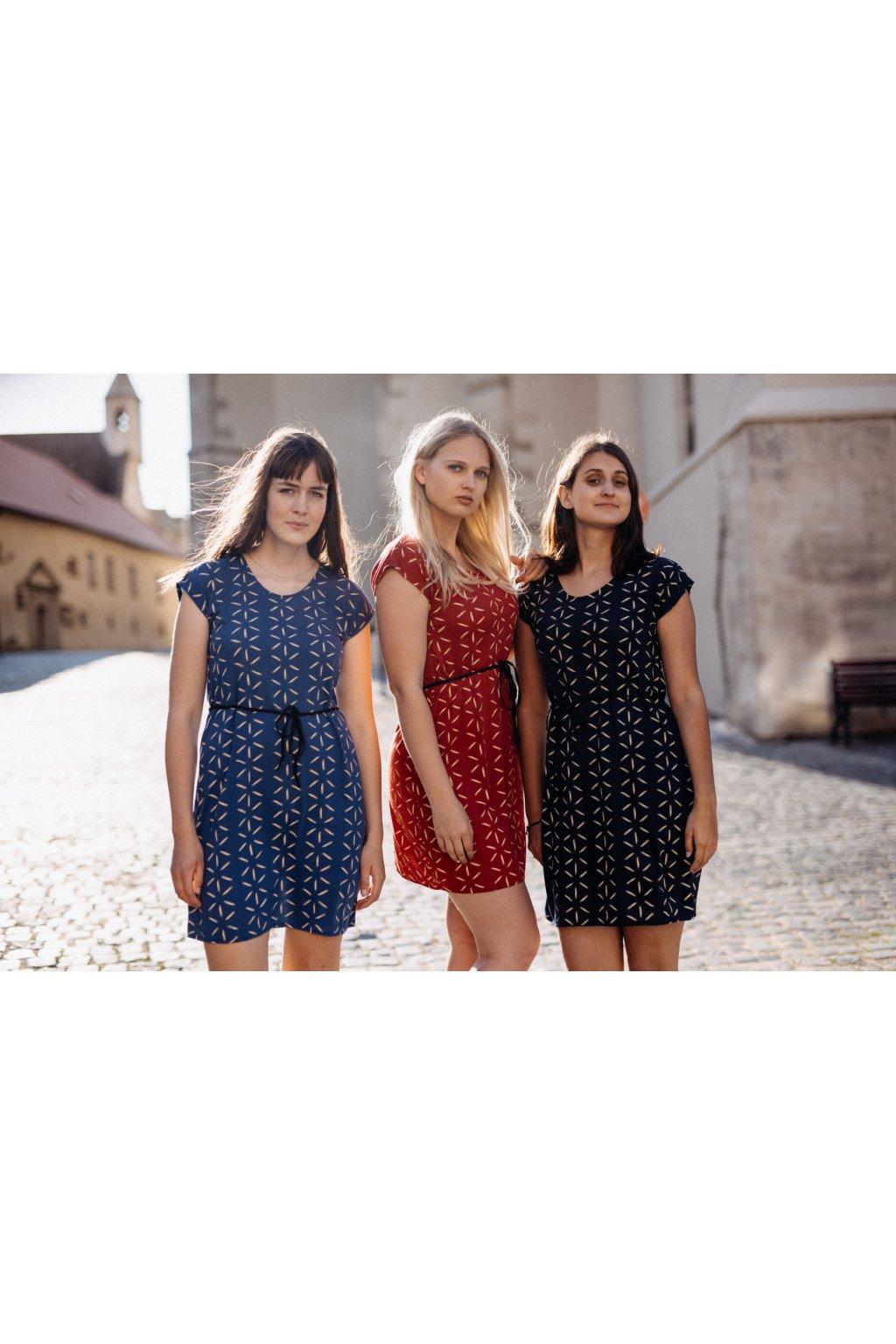 šaty HVĚZDY v barevných variantách