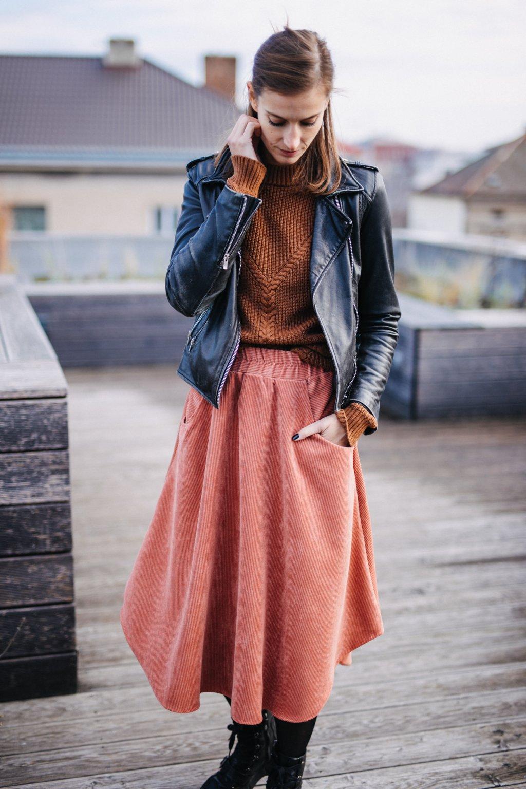 TMAVĚ RŮŽOVÁ asymetrická sukně (manšestr klasický)
