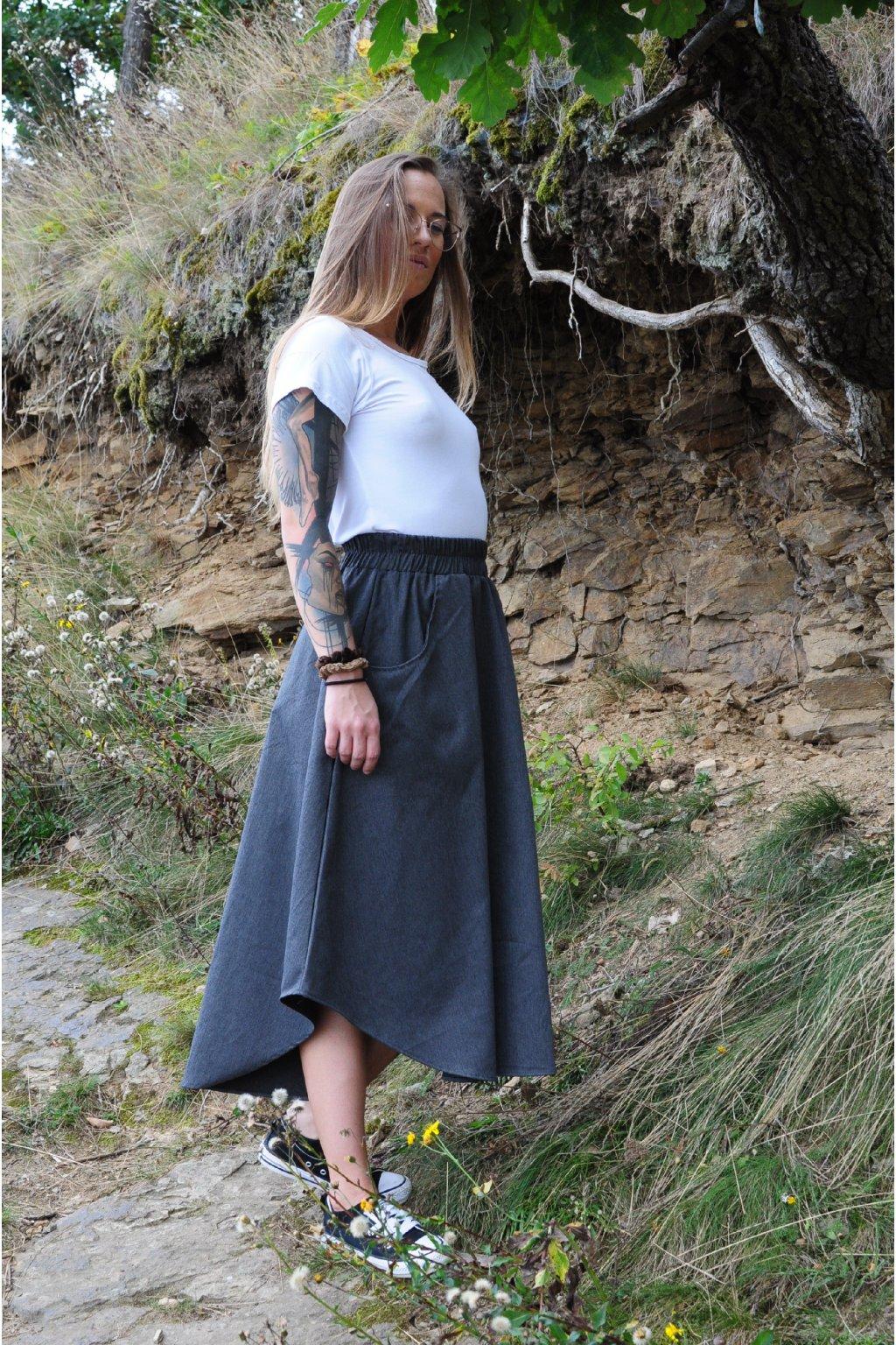 ČERNÁ asymetrická sukně (imitace rifloviny)