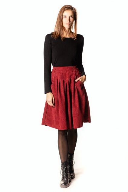 ČERVENÁ sukně s klínem