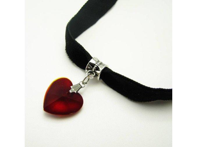 Sametový náhrdelník s přívěskem