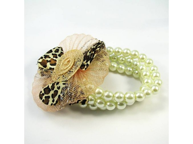BRR0001 perlovy naramek s kvetinkou