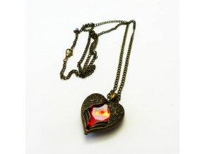 BHR0576 nahrdelnik okridlene srdce