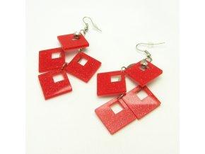 BNP0031A plastove nausnice ctverecky cervene