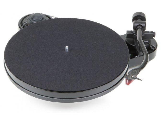 Kvalitní gramofon Pro-ject RPM 1 Carbon + 2M Red