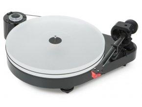 Kvalitní gramofon s tichým motorem a keramickým kulovým ložiskem ProJect RPM 5 Carbon + Quintet Red
