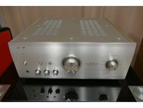 Kvalitní integrovaný stereofonní zesilovač třídy A/B  Denon PMA-2020AE
