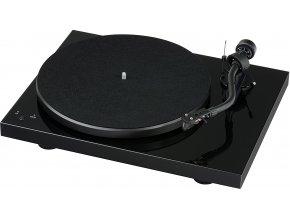 Kvalitní dvourychlostní řemínkový gramofon Pro-ject Debut SB S-Shape + 2M Silver