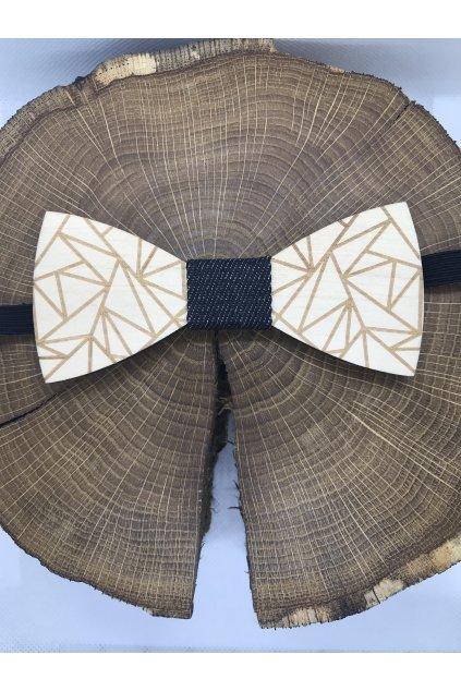 Vyrezávaný drevený motýlik Ľuboš