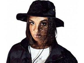 Rybářský klobouk s kovovými očky