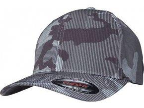 Proužkovaná Flexfit kšiltovka s elastanem s kamuflážovým vzorem