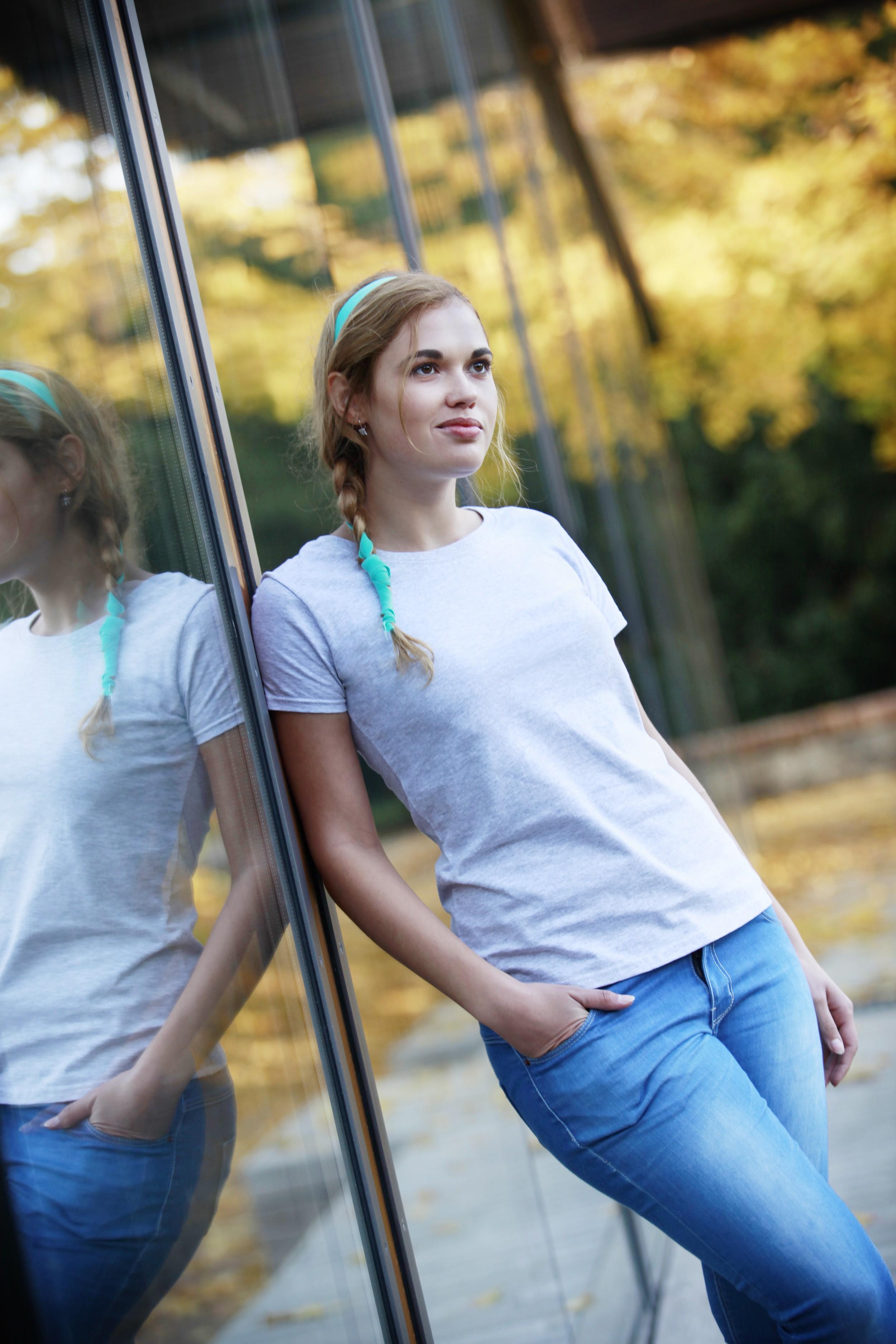 Klasické bavlněné tričko s kulatým výstřihem Barva: Černá, Velikost: XS