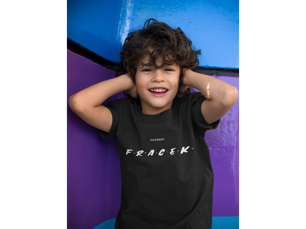 kid covering his ears wearing a tshirt mockup a17863 (2)