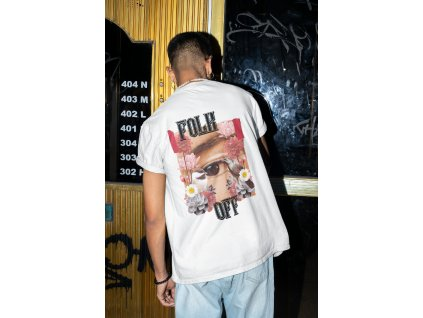 back view t shirt mockup of a man trying to open a door m579 (1)