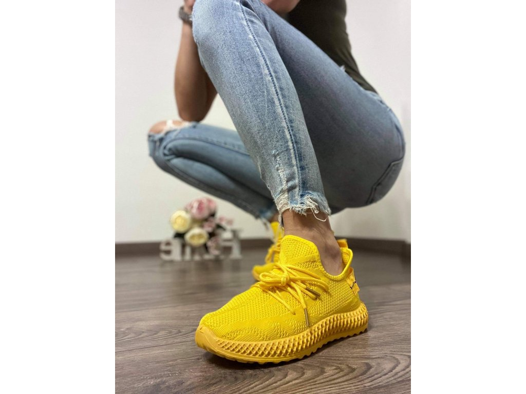 A076 yellow