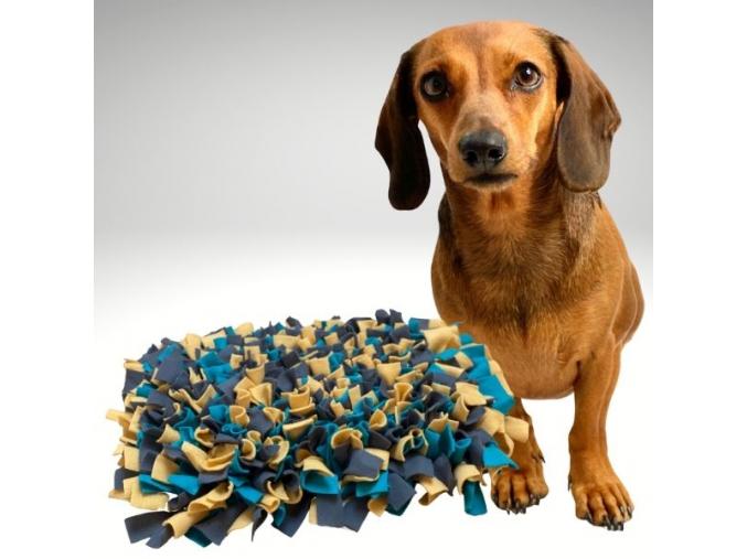 cmuchaci koberecek žluto tyrkysovo sedy