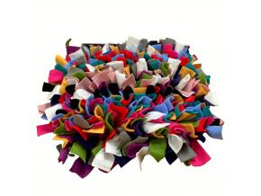 cmuchaci koberecek mix barev novy 2