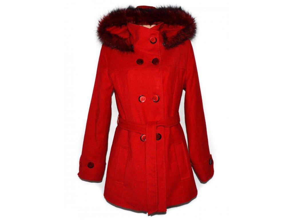 Dámský červený zateplený kabát s páskem a kapucí L