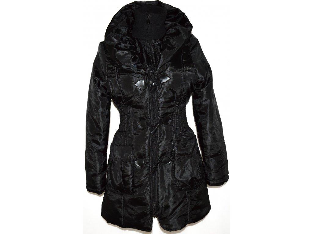 Dámský šusťákový černý kabát na zip, vidlice s límcem M
