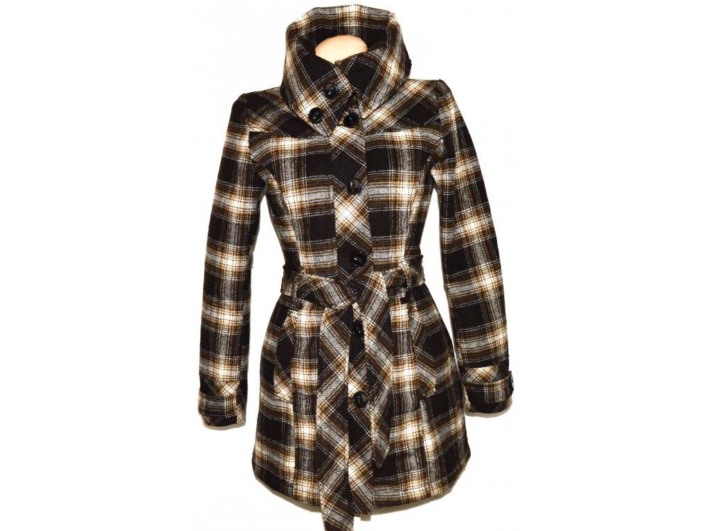 Vlněný dámský hnědý károvaný kabát s páskem