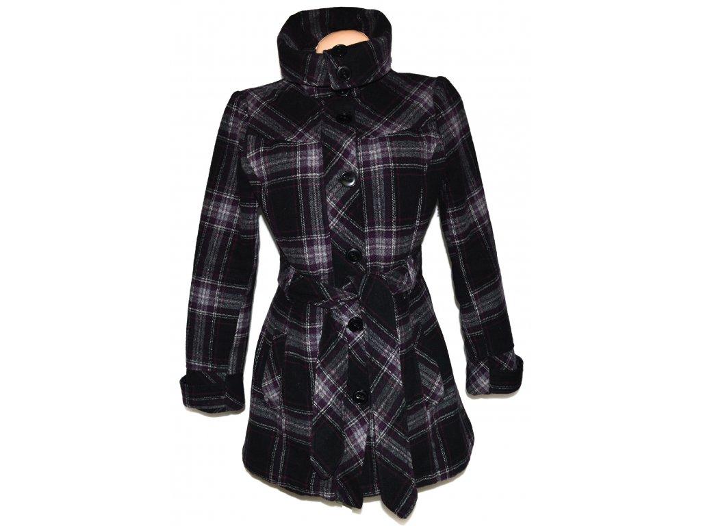 Vlněný dámský fialovočerný kabát s páskem, límcem
