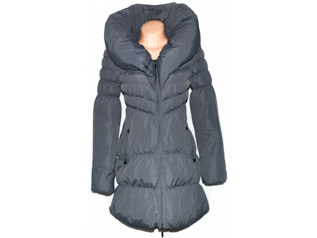 33cf05bdfeb8 Dámský šedý šusťákový kabát s límcem ORSAY 36 - Coat-Master.cz