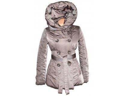 Dámský hnědý prošívaný zimní kabát s páskem a límcem ORSAY