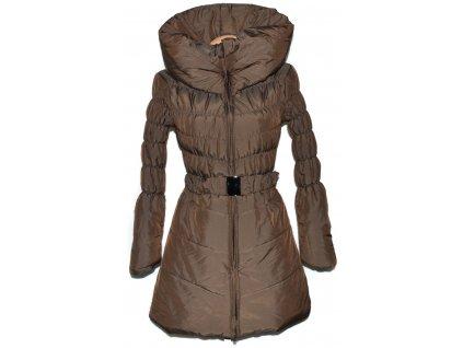 Dámský hnědý šusťákový kabát s páskem a límcem S