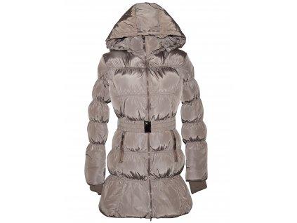 Dámský hnědý prošívaný kabát s páskem a kapucí M
