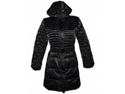 Dámský černý prošívaný lesklý kabát s páskem Fresh Made S