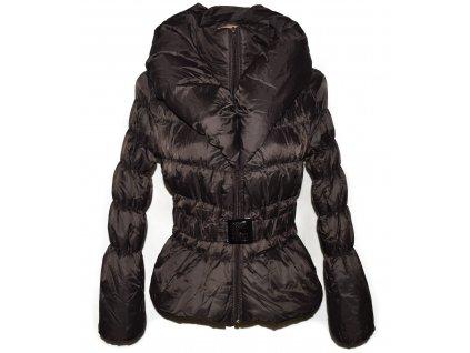 Dámský hnědý prošívaný kabát s páskem a límcem S