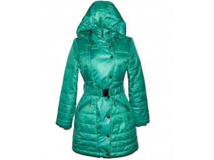Péřový dámský prošívaný smaragdově zelený kabát s páskem a kapucí ORSAY M