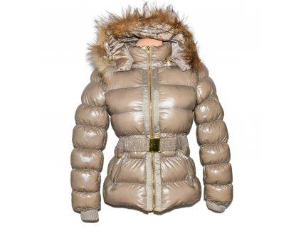 Dámský béžový prošívaný zimní kabát s páskem a kapucí Jolina S