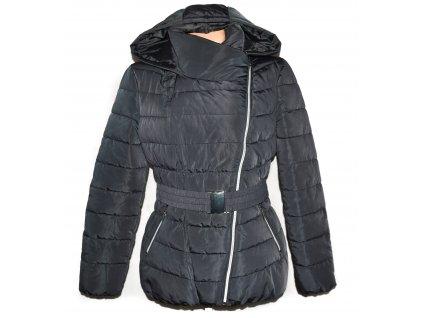 Dámský šedý prošívaný kabát - křivák s páskem a kapucí ORSAY 40