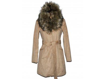 Vlněný dámský béžový kabát s páskem a kožíškem 34